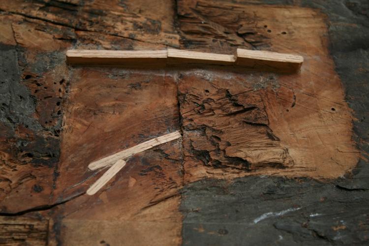 Giulio Romano, inserimento di cunei lignei in corrispondenza delle fenditure del supporto